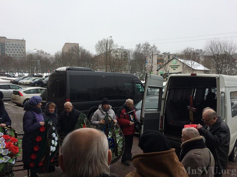 Прощание с Евгением Кармановым