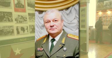 Генерал майор Шаповалов Владимир Михайлович